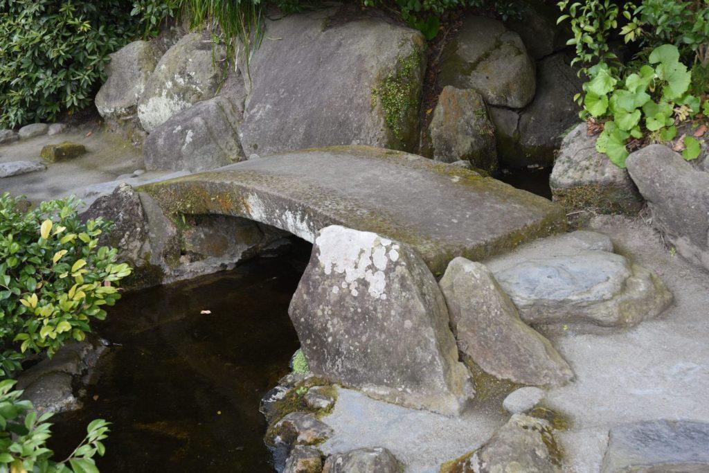 飛び石橋滝
